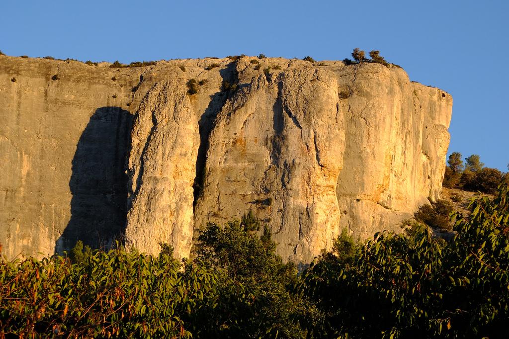 La falaise de Lioux Luberon chambre d'hotes
